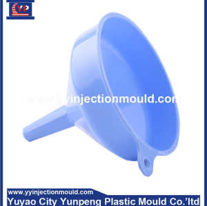 plastic filler mould/die-oil funnel mold-plastic tundish mould-plastic injection tool/die  (From Cherry)