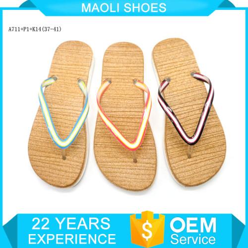 Wholesale huge quantities slippers pvc beach custom flip flops