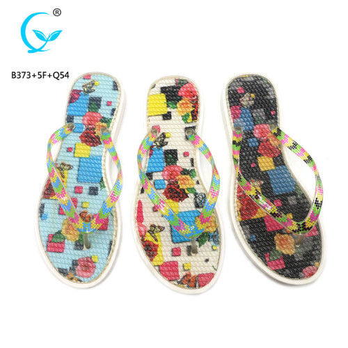 Flip flop design widely used slippers manufactured in China