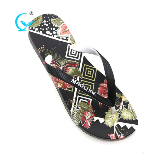 Wholesale cheap pvc slippers in guangzhou shapes shoes and flip flops