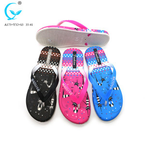 Pvc material 2017 fashion lightweight beach women slide slipper