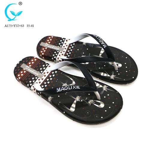 Pvc material 2017 fashion lightweight beach women slide slipper