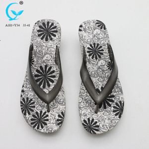 Chappal design crystal strap flip flops transparent pvc beach slippers women