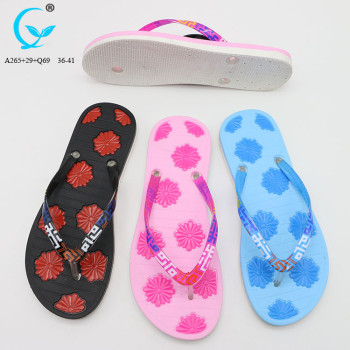 Made in China wholesale shoe flip flops pvc slipper beach sandals 2018