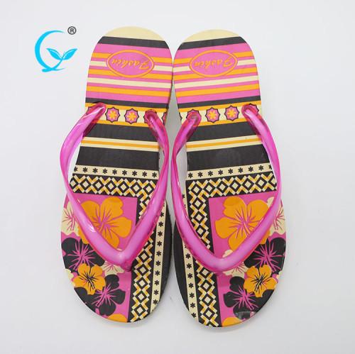 Promotional anti sweat fancy  woman beach plain flip flops wholesale
