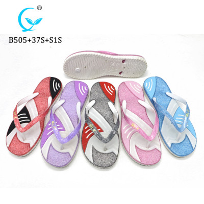 Summer beach flip flops cheap slippers fashion sandals made in China