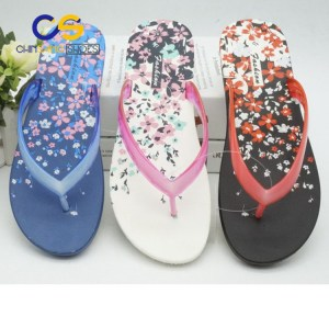 Wholesale cheap women PVC flip flop beach women slipper air blowing flip flop with good quality