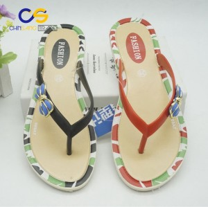 Simple air blowing PVC women flip flop shoes outdoor beach flip flops for female