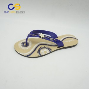 2017 hot sell PVC outdoor women flip flops durable flip flops for lady