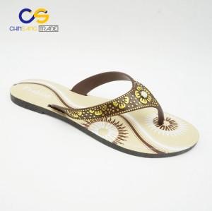 2017 hot sale cheap price beach sandals women flip flops from Wuchuan
