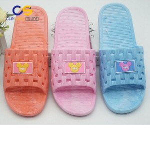 Durable PVC women indoor bathroom slipper with holes