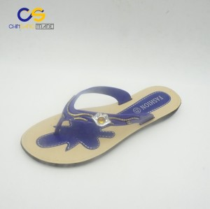 Fashion young lady outdoor flip flops popular women slipper shoes