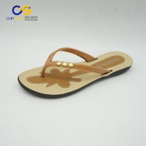 Wholesale cheap PVC women slipper durable summer outdoor flip flops for women