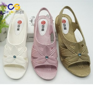 Durable PVC women garden shoes outdoor casual sandals for old lady
