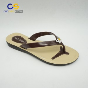 Factory price PVC women flip flops summer outdoor slipper shoes for women