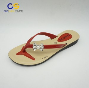 Factory supply young lady flip flops fashion outdoor slipper shoes for women