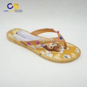 2017 new elegant PVC women flip flops bright color women slipper with beads