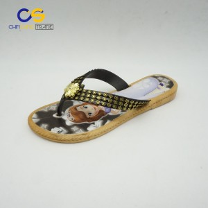 2017 hot sell women flip flops popular soft outsole flip flops for young lady