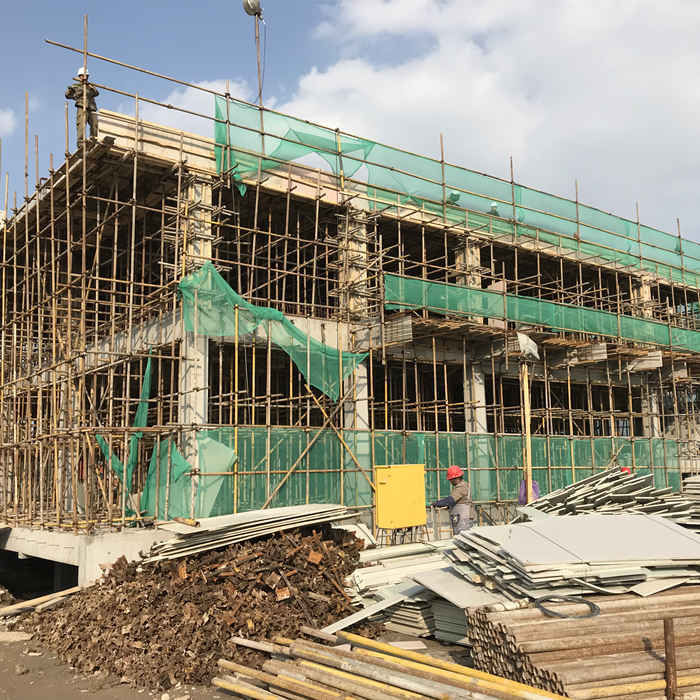 WHAT IS THE DIFFERENCE BETWEEN WOOD FORMWORK AND PVC FORMWORK?