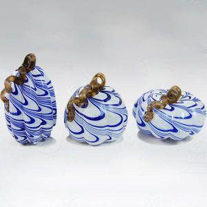 Handblown Mini Blue and White Chinese Glass Pumpkin para la decoración del hogar
