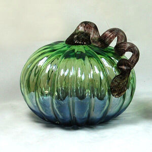 Wholesale Oversized Hand-blown Ombre Blue Glass Pumpkin for Halloween Decoration