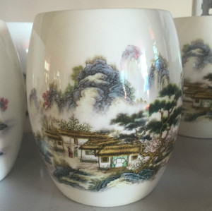 Bone china scenery pen container