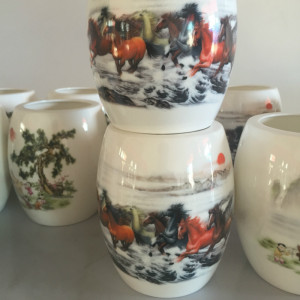 Bone china eight horses pen container