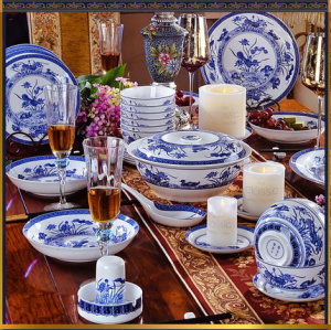 Bone China blue and white porcelain set