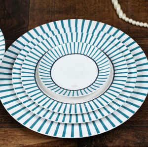 Simple blue bar style western-style plate