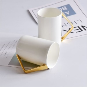 creative corner Mugs