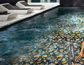 Chic Swimming Pool Floor Pattern Design Mix Color Glass Mosaic Tile