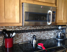 Crystal Glass Backsplash Kitchen Designs azulejos de la pared del baño