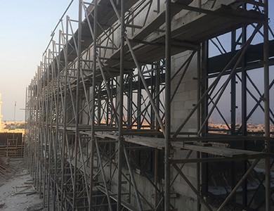 14- Instalación de paredes y ventanas externas-Proyecto Doha Modern Palace