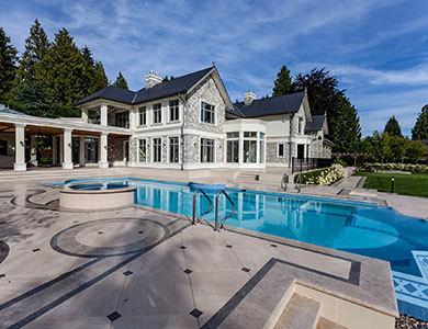 diseño de piscina al aire libre
