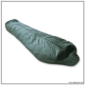 Military sleeping bag system for cold weather