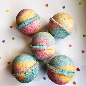 rich color handmade natural ingredients bath bombs