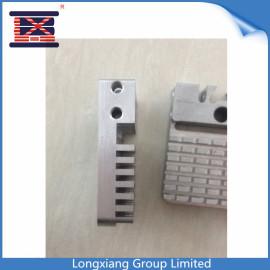 Longxiang-Aluminiumstahl CNC-Bearbeitungsservice-Teil-Bearbeitung maschinell bearbeitete anodisierte Aluminium zerteilt schnellen Prototyp