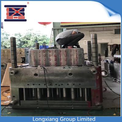 Longxiang HASCO molde estándar con inyección de punta caliente por 2800ton máquina de inyección de herramientas