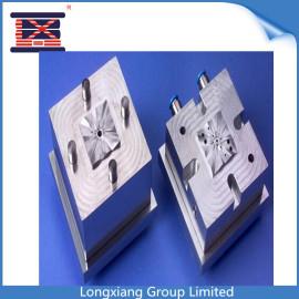 Longxiang bien diseñado moldeo por inyección de plástico de juguete barato usado