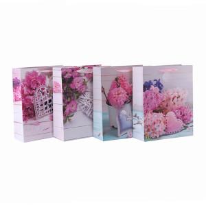 Bolso del embalaje del regalo del papel de la manija de la cinta mate del modelo floral de encargo con 4 diseños clasificados en embalaje de la llave