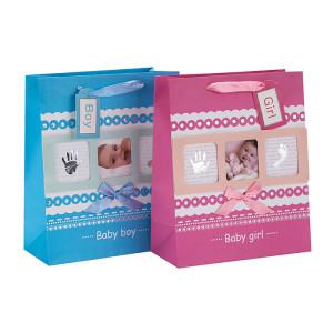ベビー写真のデザインリボンは、タングルパッキングの赤ちゃんギフト紙袋を扱う