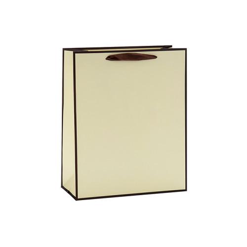 Bolsa de papel plegable minimalista de moda de la manija de la cinta con la etiqueta de papel en el embalaje de la llave