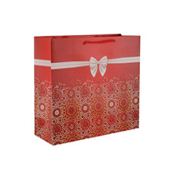 Various Sizes Available Manufactures Premium Quality Christmas Gift Paper Bag