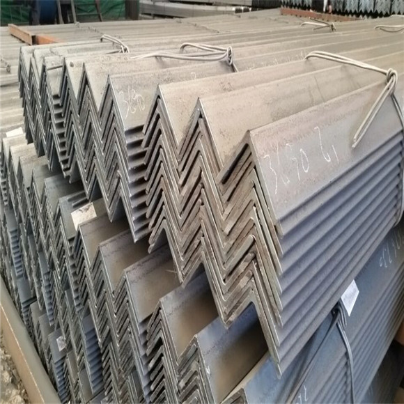 S235JR Q235 SS400 A36 Hot rolled angle steel bar