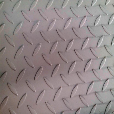 China hot rolled technology pattern steel plate 1.6mm*4'*8'