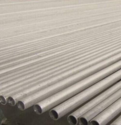 444 S44400 X2CrMoTi18-2 1.4521 الأنابيب الفولاذية غير الملحومة المصنوعة من الفولاذ المقاوم للصدأ