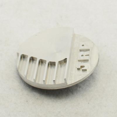 ISO 9001 China liefert hochwertige CNC-Teile und hochwertige WEDM-Teile