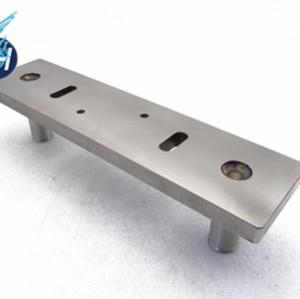 鉄とステンレス材質で溶接した精密部品
