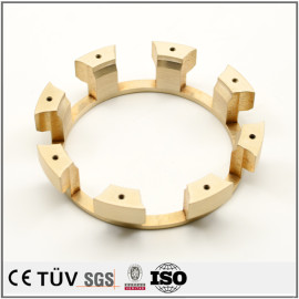 銅、ステンレス,アルミ,鉄など豊富な材料を使い,旋盤とNC旋盤の複合加工の方法を使用し,アルマイトなど表面処理を行う精密機加工部品.