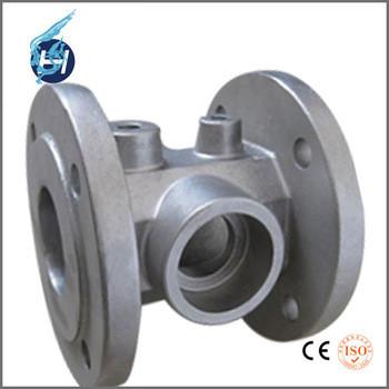 大連鴻昇製造の注湯後湯口研磨と精修のアルミ合金機械用鋳造部品.